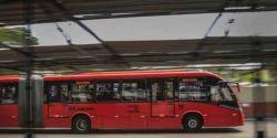 Curitiba oferece transporte específico para profissionais de saúde